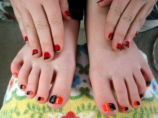 WHY YOUR FINGERNAILS HAVE A FASTER RATE OF GROWTH THAN YOUR TOENAILS ...